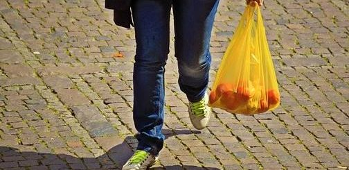 Has Singapore banned plastic bags?